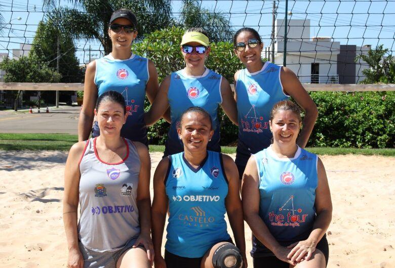 São Carlos terá equipe de vôlei de areia feminina em torneios regionais