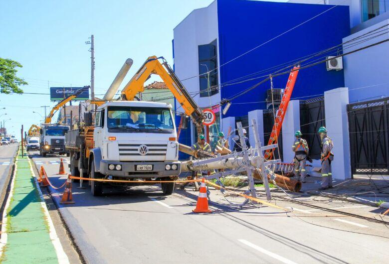 Manutenção da CPFL interdita trecho da avenida e deixa região temporariamente sem energia