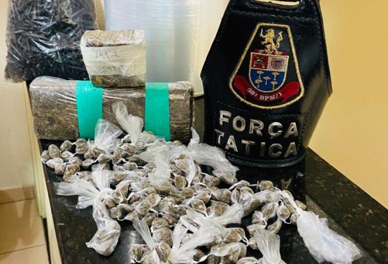 Força Tática detém acusados de tráfico na Vila Jacobucci