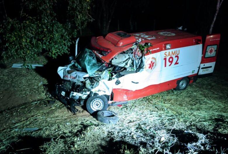 Equipe do Samu se envolve em grave acidente na região