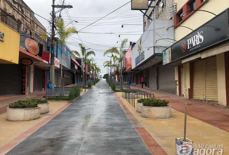 Câmara de São Carlos quer detalhamento de casos e plano para reabertura gradativa da economia