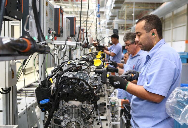 Após 64 dias parada, fábrica de motores da VW em São Carlos retoma as atividades nesta terça-feira (26)