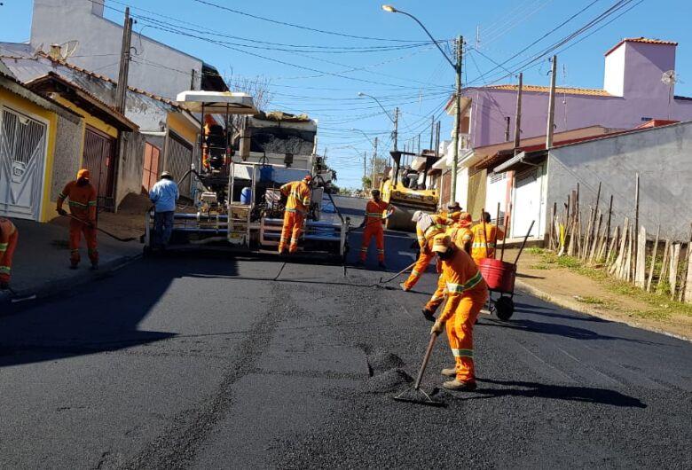 Airton Garcia garante que serviço de recape não vai parar; veja os próximos bairros que serão beneficiados