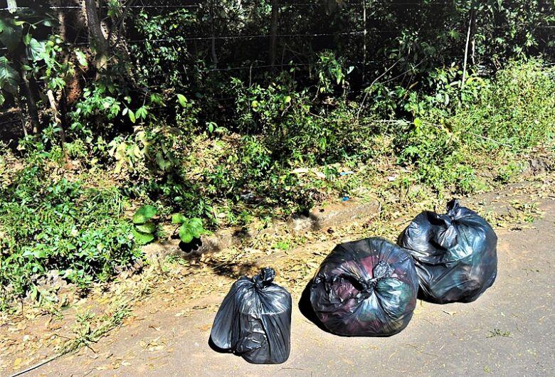 Mantendo o isolamento, cidadãos realizam mutirão de limpeza em bairros periféricos em São Carlos