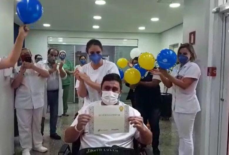 Técnico de enfermagem de 37 anos vence Covid-19