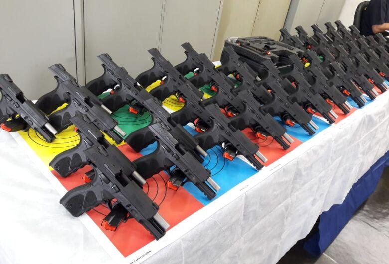 Guardas municipais de São Carlos passam a ter porte de arma de fogo