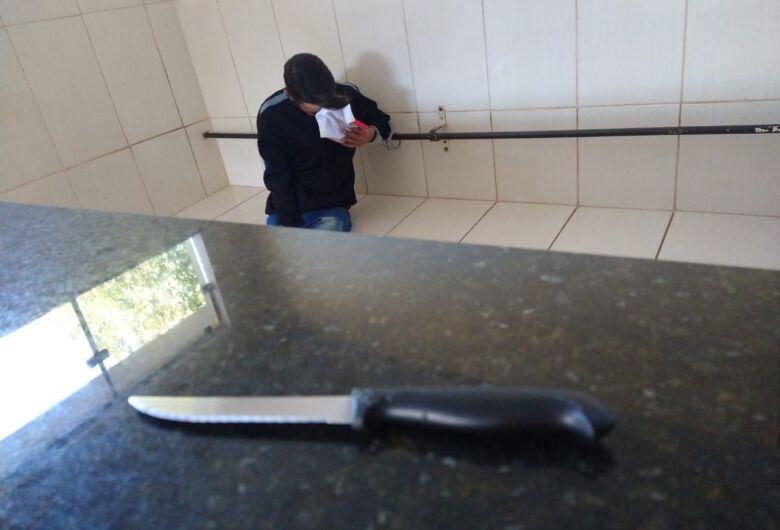 Homem invade casa da ex-mulher e ameaça matá-la no Santa Angelina