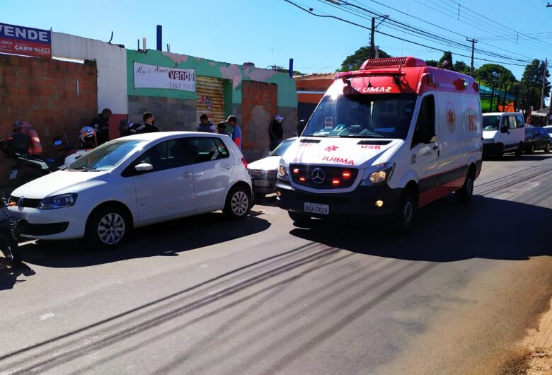 Atropelamento deixa três feridos na Vila Prado