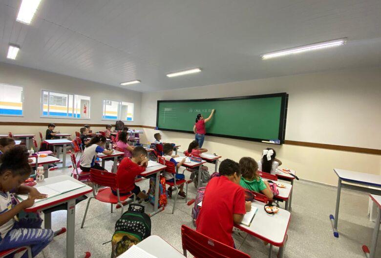 Rede municipal de ensino começa retomada gradual das atividades