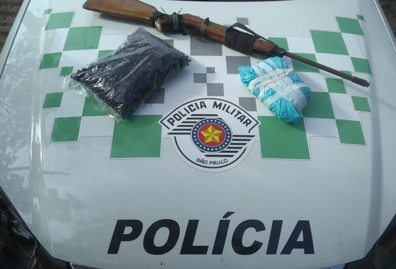 Polícia Militar Ambiental apreende quase 1 kg de pasta de base de cocaína em assentamento rural