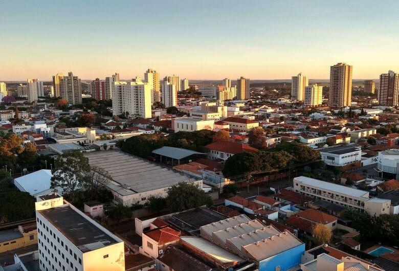 Com isolamento em queda e 295 casos confirmados da Covid-19, Araraquara revê flexibilização do comércio
