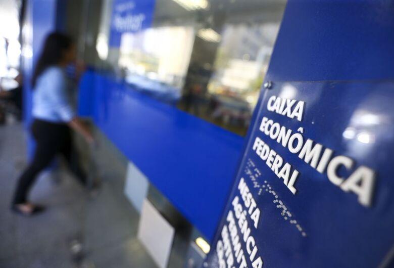 Caixa abre 155 agências neste sábado (1) para pagamento do auxílio emergencial
