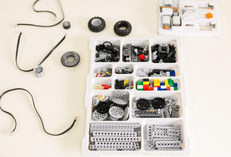Escola estadual de São Carlos é selecionada para receber kits para trabalhar robótica com alunos
