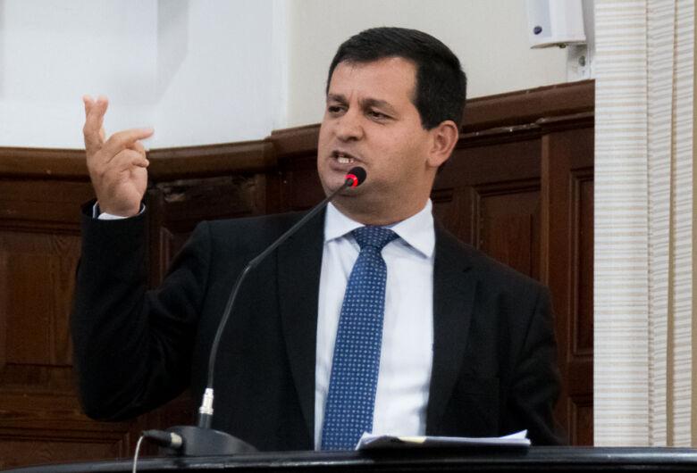 Roselei defende derrubada de veto no PL que cria seguro de vida para servidores da saúde