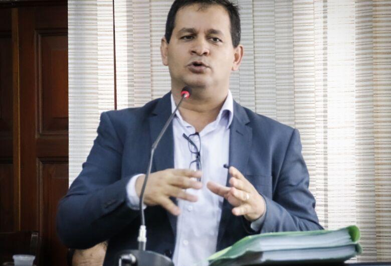 Vereador Roselei apura denúncias de irregularidades em terceirizadas da Prefeitura