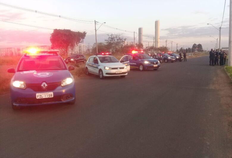 Guarda Municipal acaba com bagunça e leva sossego a moradores do Embaré