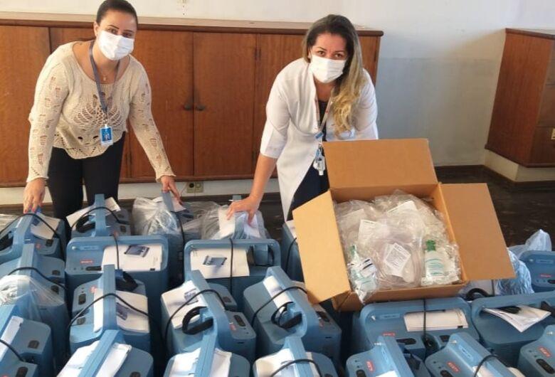 Santa Casa recebe 31 concentradores de oxigênio de empresa de Cingapura