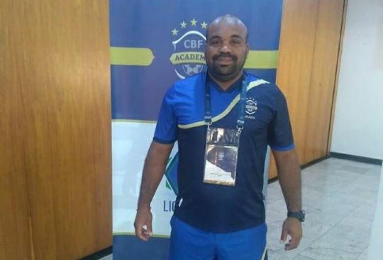 Treinador são-carlense realiza palestra motivacional com atletas da região