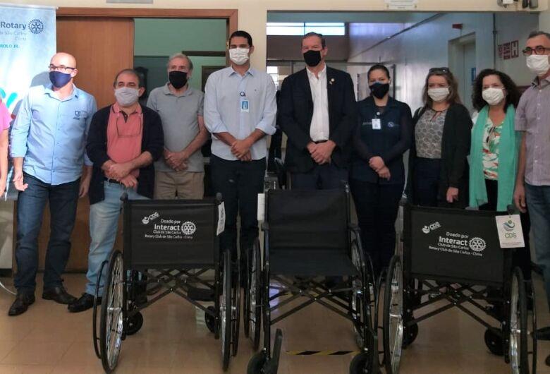 Santa Casa recebe terceira cadeira de rodas da campanha Tampinha Solidária