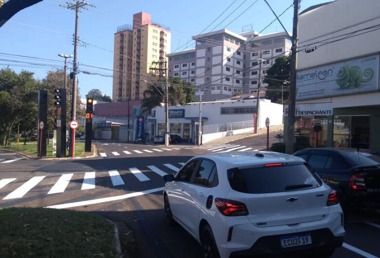 Semáforo entra em funcionamento no centro de São Carlos