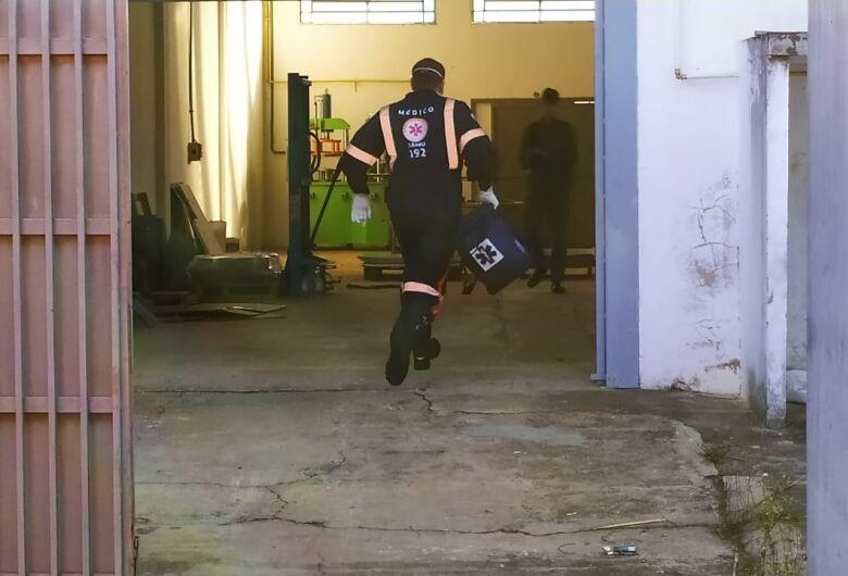 Pedreiro morre após sofrer queda em barracão no Jockey Clube