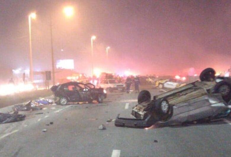 Tragédia: acidente deixa ao menos 7 mortos no Paraná