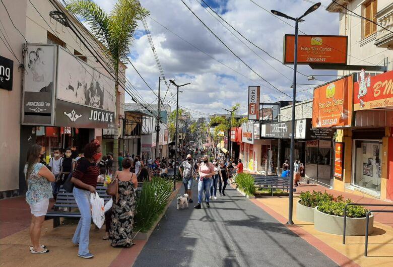 Comércio de São Carlos abrirá nos próximos três feriados