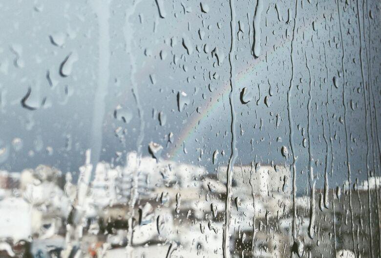 Previsão do tempo indica chuva a partir do próximo sábado (15)