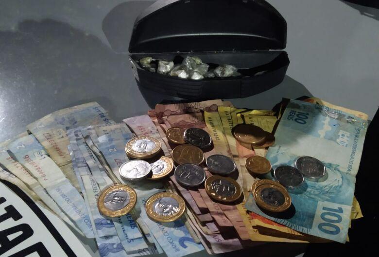 Força Tática prende acusado de tráfico de drogas no Romeu Tortorelli