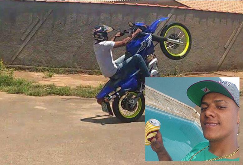 Com moto emprestada, jovem sofre acidente e morre em cidade da região