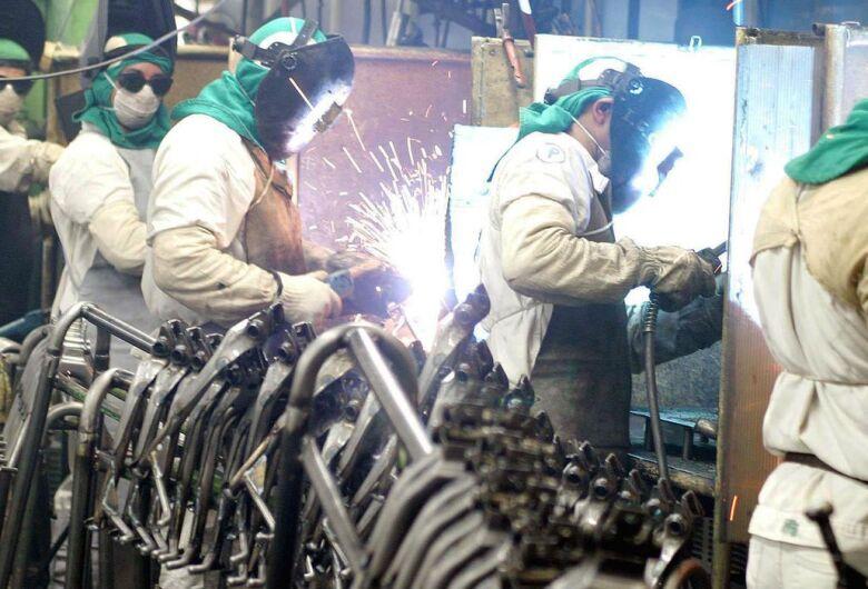 Indústria e comércio tem saldo positivo de contratações em São Carlos