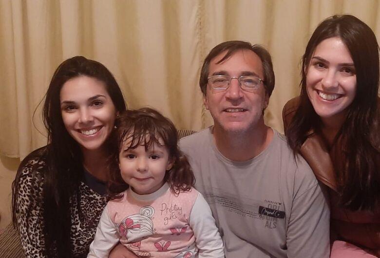 Thais e Thalita: amor em dobro para um papai pra lá de especial