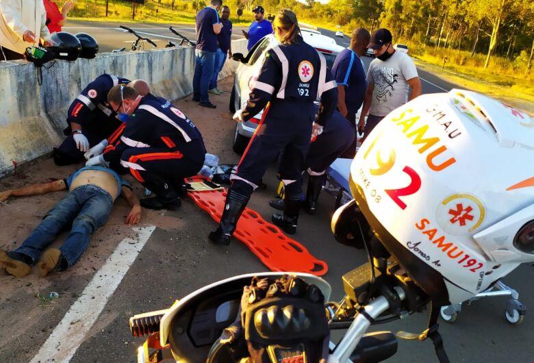 Ciclista sofre ferimentos graves após atropelamento em rodovia