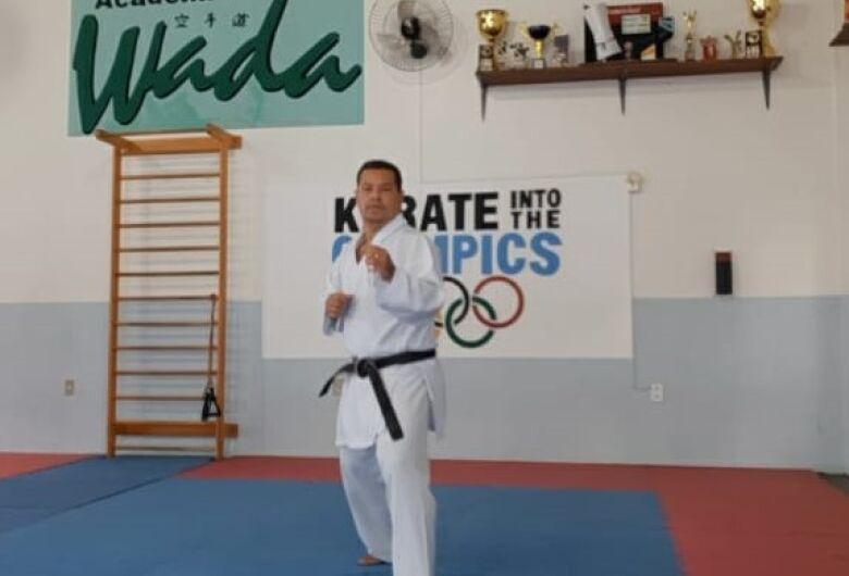 Técnico são-carlense participa de treinamento internacional de Karatê