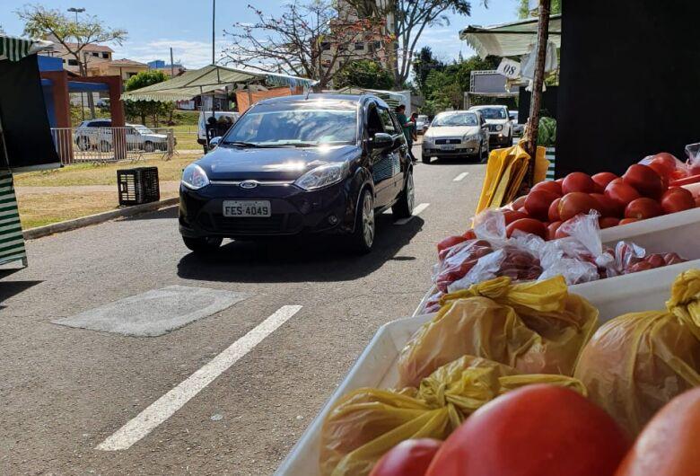Feriado tem feira drive thru e no domingo varejão na Avenida Grécia