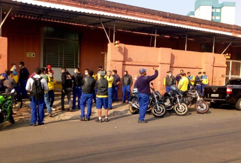 Greve dos funcionários dos Correios chega a 90% em São Carlos