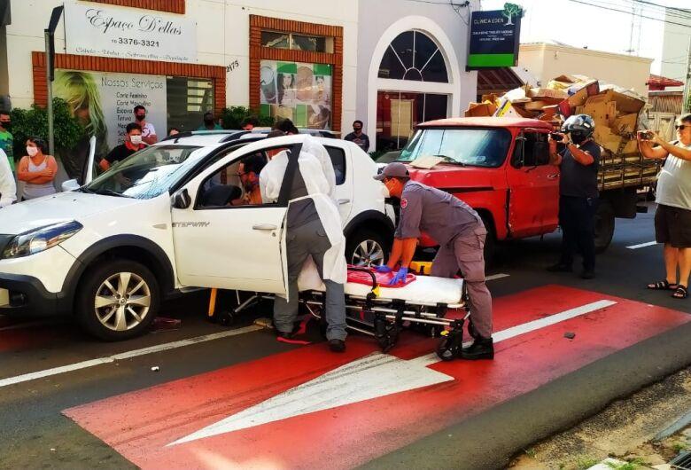Engavetamento deixa dois feridos no Centro