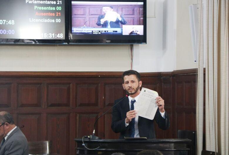 """MP instaura inquérito civil para apurar suposta """"rachadinha"""" após denúncia do vereador Elton Carvalho"""