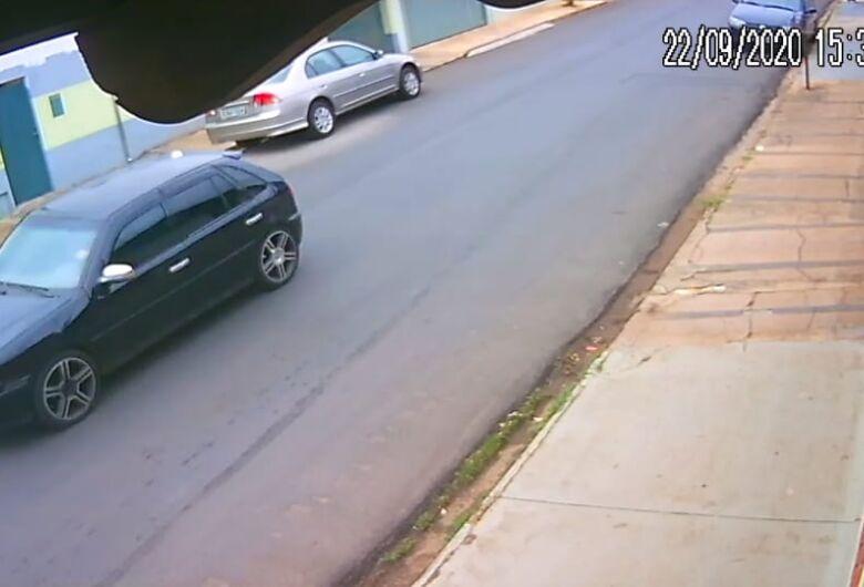 Ladrões furtam residência na Vila São José
