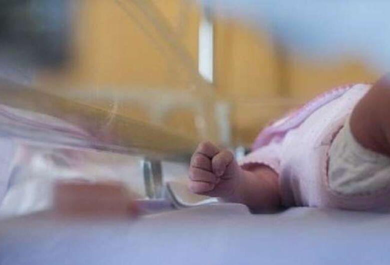 Justiça concede liberdade a casal acusado de abusar sexualmente de bebê de 1 ano