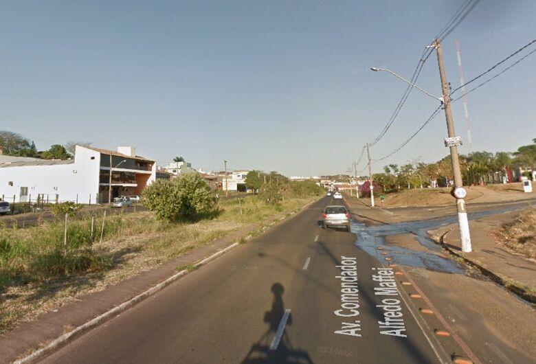 Bandido ataca e rouba celular de bancário durante caminhada