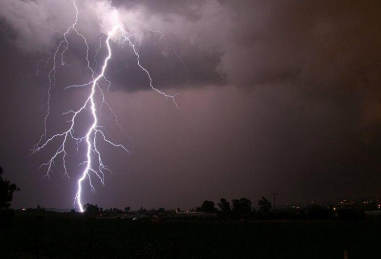 Defesa Civil emite alerta e prevê chuvas com descargas elétricas na região de São Carlos