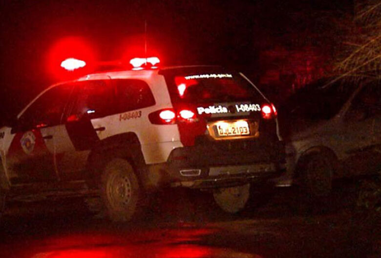 Três homens são mortos a tiros em cidade da região