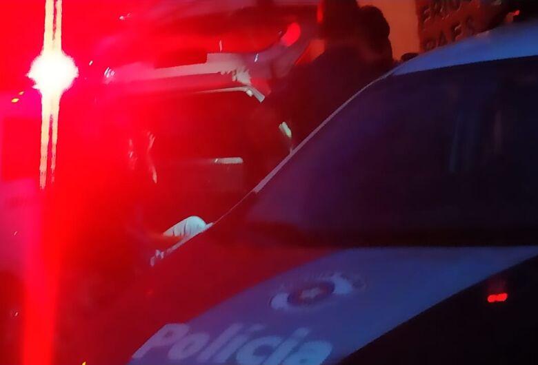 Jovem é flagrado vendendo drogas na Vila Jacobucci
