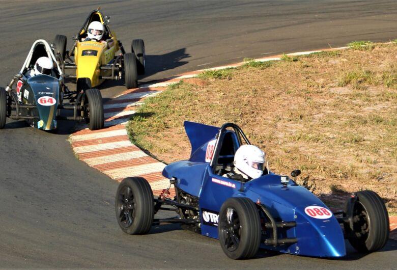 Piloto de São Carlos conquista a sua primeira vitória na Fórmula Vee