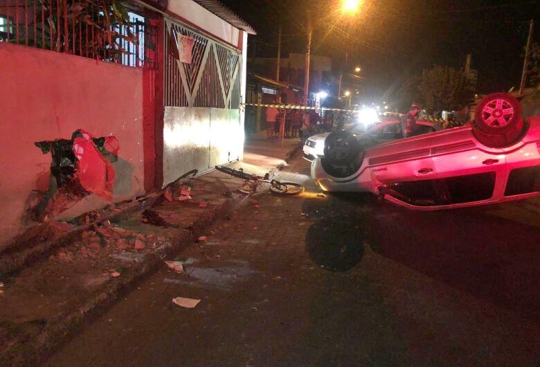Homem fica gravemente ferido após ser atropelado e motorista foge do local