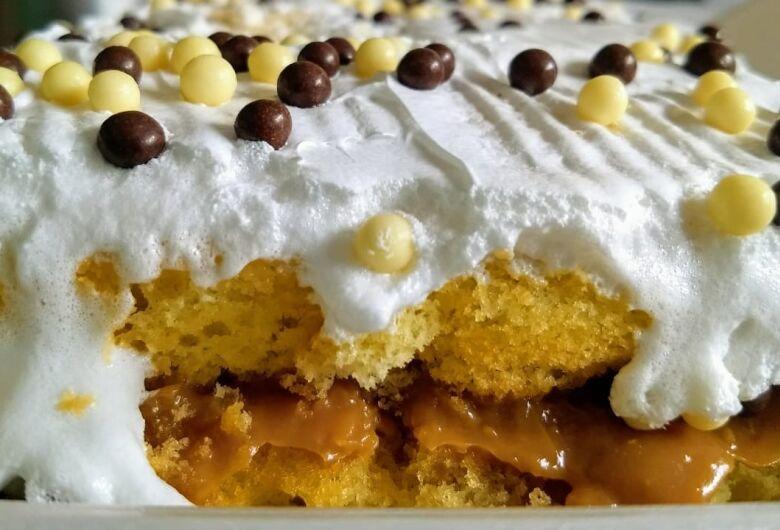 Fieis se preparam para o dia de São Nicolau e pedaços do bolo do padroeiro estarão à venda