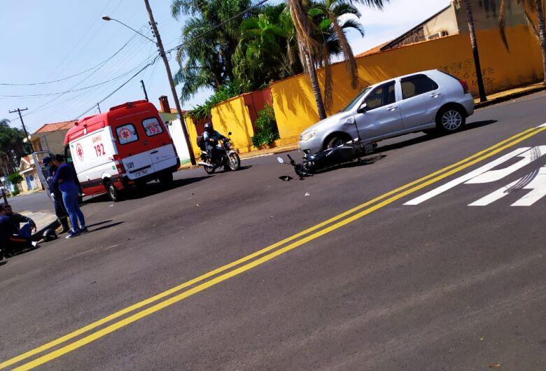 Durante conversão carro e moto colidem no Tangará