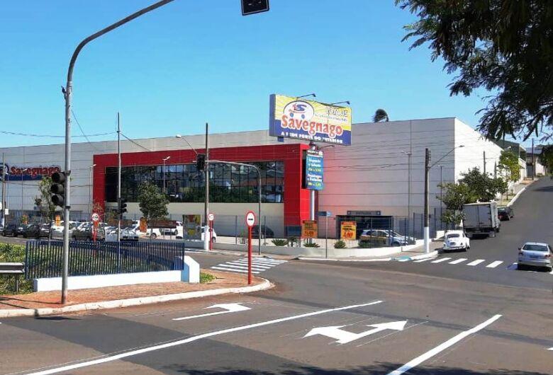 Novos semáforos entram em funcionamento na avenida Comendador Alfredo Maffei