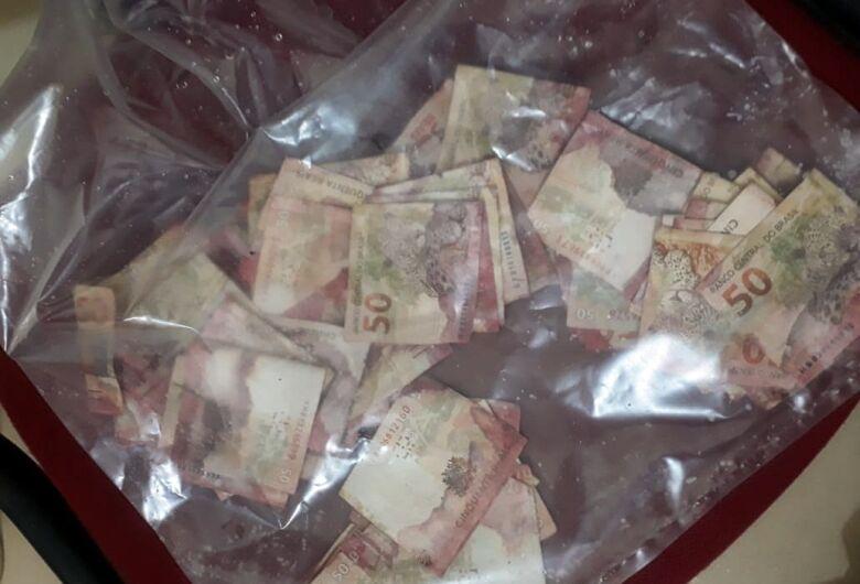 RPM apreende mais de R$ 5,4 mil em cédulas manchadas no Centro